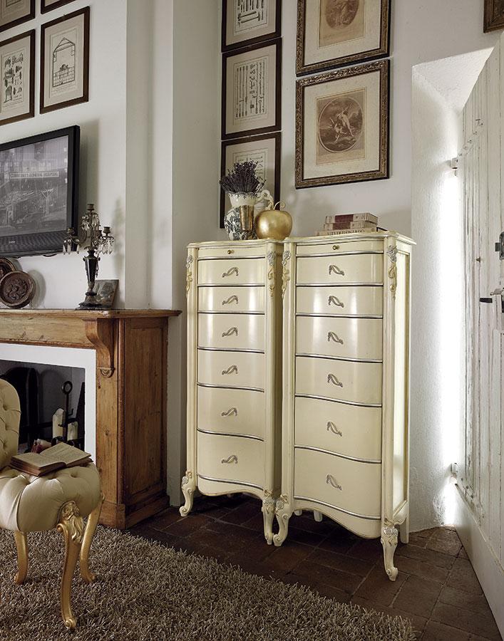 Camera da letto classica da collezione volpi gruppo for Arredamento volpi