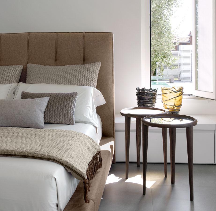 Camera da letto scenografie tessili volpi gruppo for Arredamento volpi