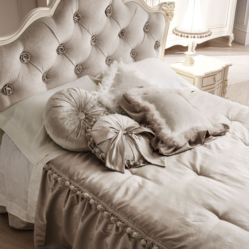 Camera da letto classica perla collezione emporio volpi for Arredamento volpi